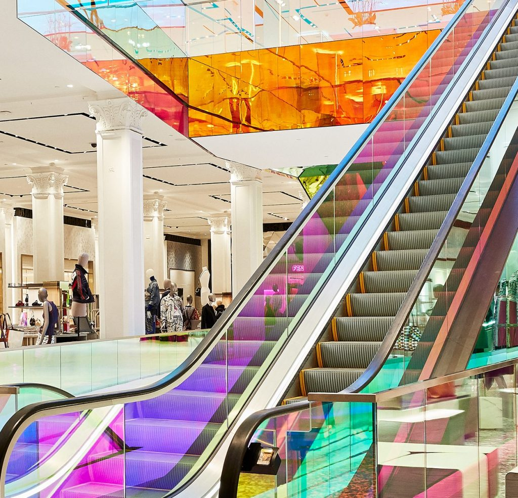 Saks Fifth Ave VT-LGC-2019-escalator-view